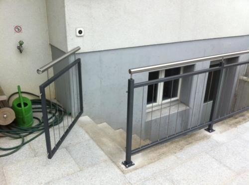 Tür Kellertreppe